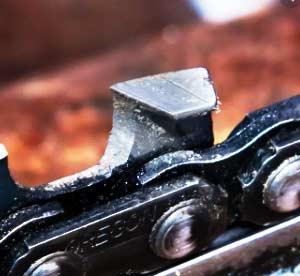 Dull Chainsaw Chain