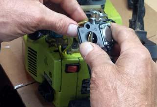 Chainsaw Carburator Replacing